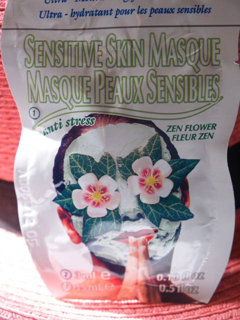 Montagne Jeunesse Ceramides and Sensitive Skin Masque 3