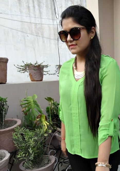 Outfit of the Day  Neon Green Trend 6