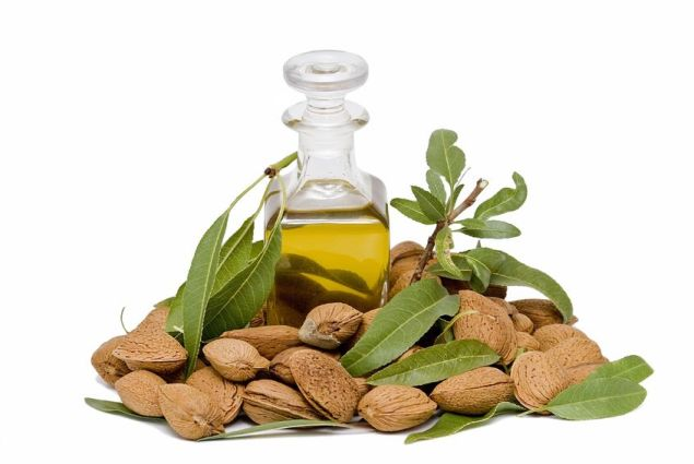 Beauty+Benefits+of+Almond+Oil
