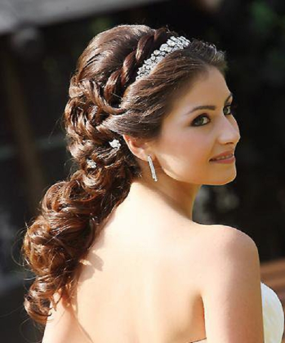 Beautiful Bridal Hairstyle For Long Hair: 30 Beautiful And Trendy Bridal Hairstyles