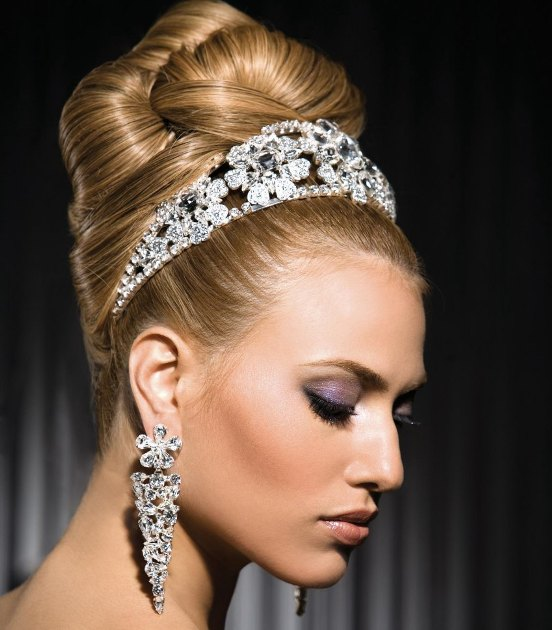 Hindu Bridal Hairstyles 14 Safe Hairdos For The Modern: 30 Beautiful And Trendy Bridal Hairstyles