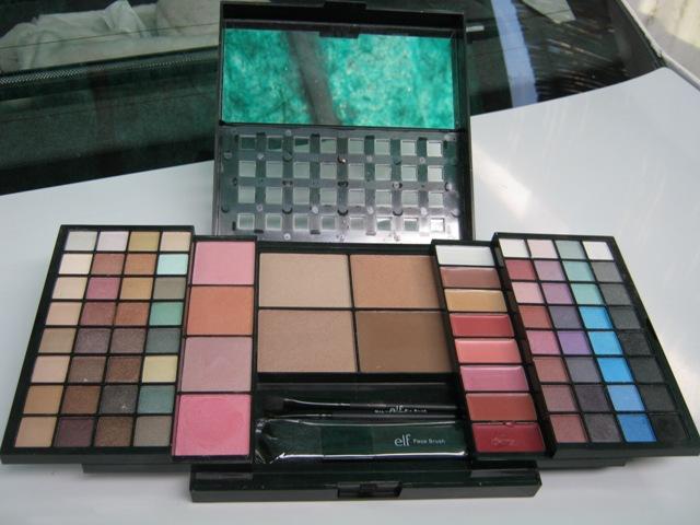 E.L.F. Studio 83 Piece Essential Makeup Collection  (1)