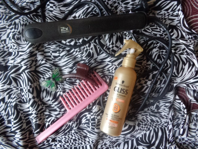 How+To+Curl+Hair+With+Straightener+Do+It+Yourself