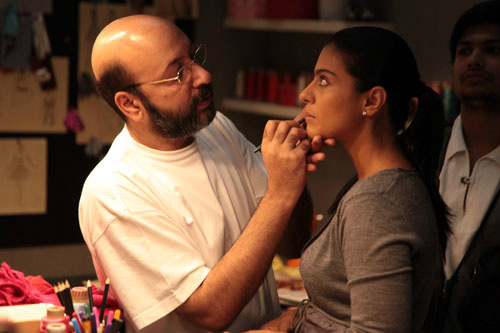Kajol doing makeup