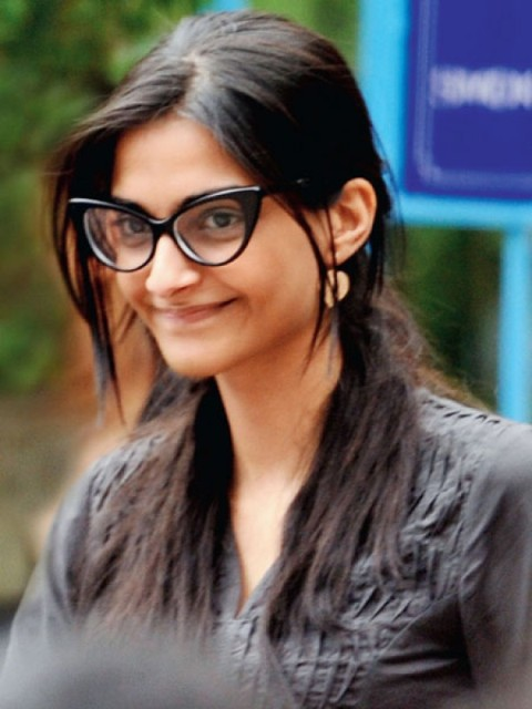 Sonam Kapoor without makeups