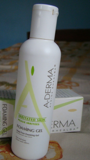 Aderma foaming cleanser
