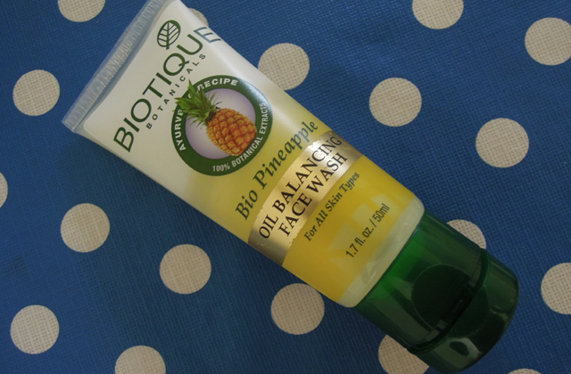 Biotique-Bio-PineappleOil-B