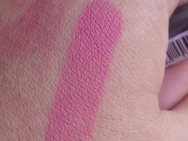 Faces Ultime Pro Longwear Matte Lipstick Flirty Pink swatch