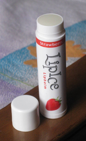 LipIce-Lipbalm-in-Strawberr