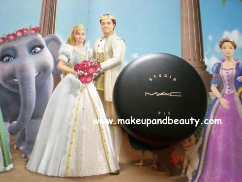 MAC Makeup Compact