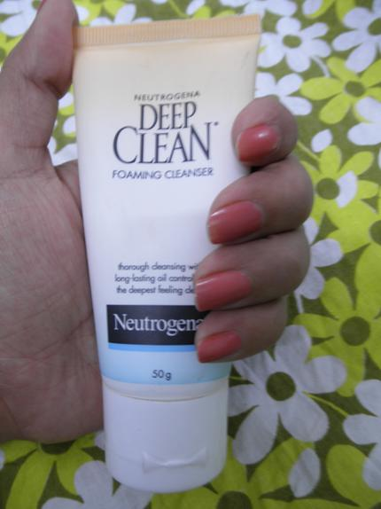Neutrogena Foaming Cleanser