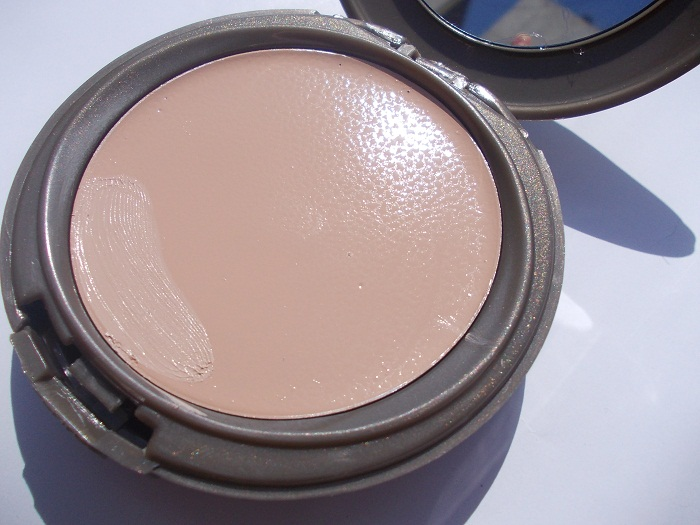 Revlon One Step Makeup Compact