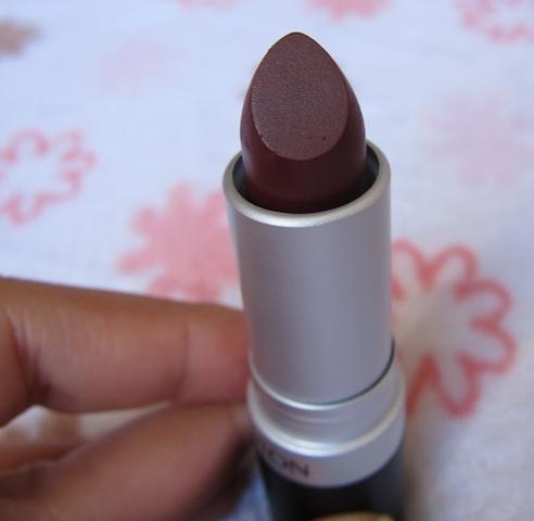 Revlon Super Lustrous lipstick, Matte Wine Not (15)