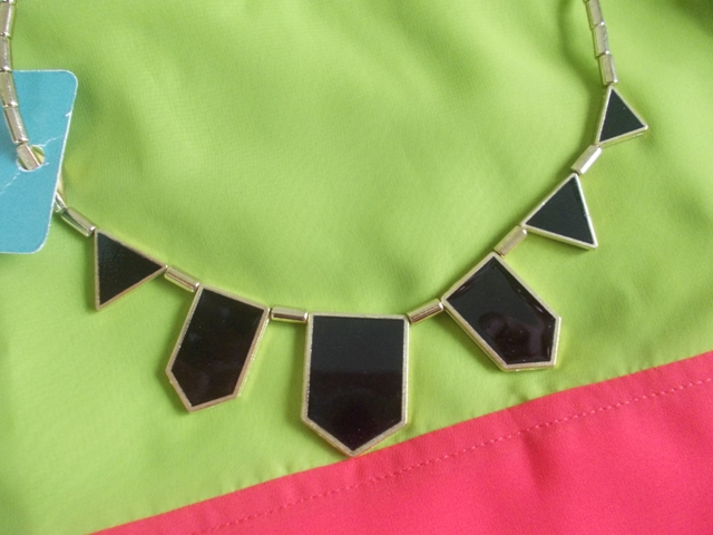 black statment necklace (2)