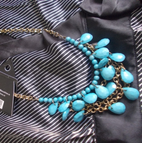 blue bead drop necklace (2)