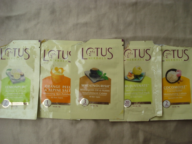 lotus-natural-glow-skin-radiance-facial-kit