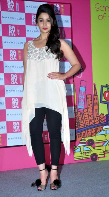 Alia Bhatt Maybelline Launch