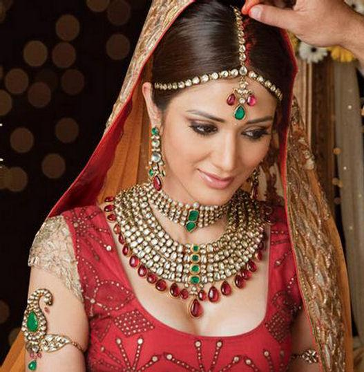 Bridal+Makeup+Kit+with+Lakme+Products