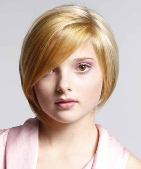 Cute Short Haircuts for Round Faces 4