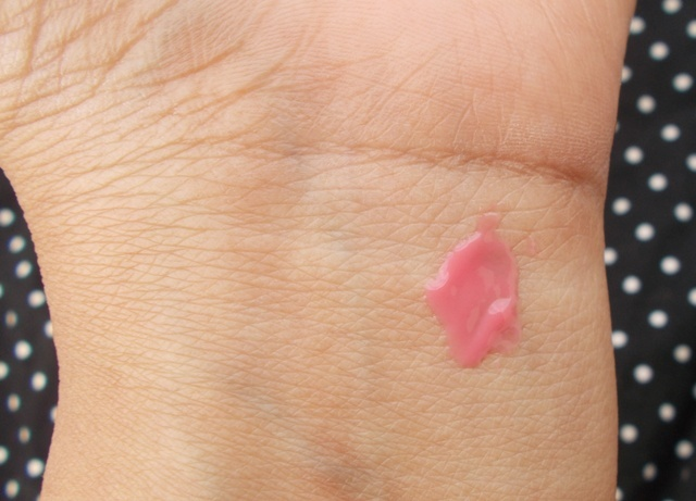 Elle 18 Juicy Lip Balm - Juicy Pink swatch
