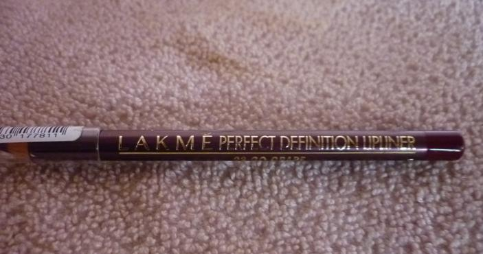 Lakme+Perfect+Definition+Lip+Liner+Go+Grape