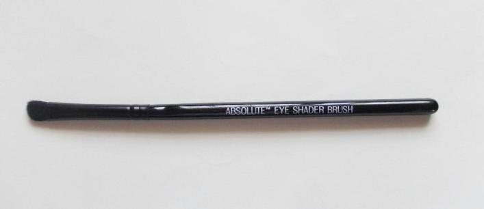 Lakme Eye shader brush