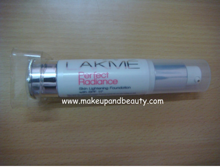 Lakme-Perfect-Radiance-Foundation-1.PNG (1)