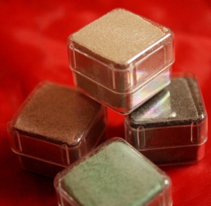 The Body Shop Shimmer Cubes 2