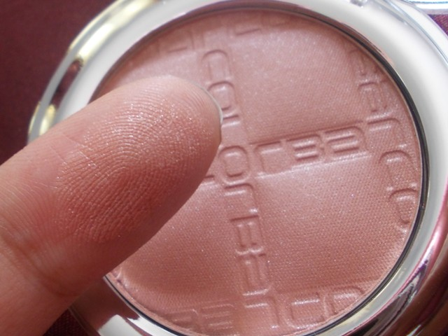Colorbar Cheek Illusion Blush Earthy Touch swatches (1)