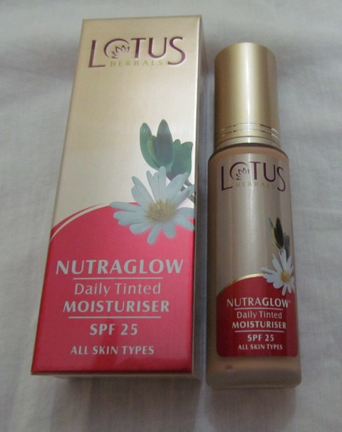 Lotus+Herbals+Nutraglow+Daily+Tinted+Moisturiser+SPF+25+Review