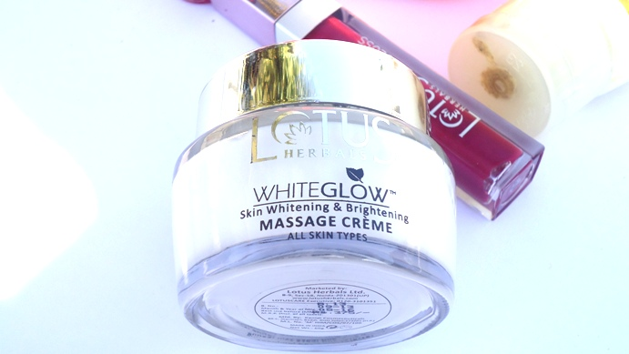 Lotus Herbals Whiteglow massage cream