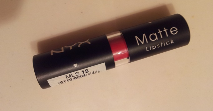 NYX+Matte+Lipstick+in+Bloody+Mary+Review