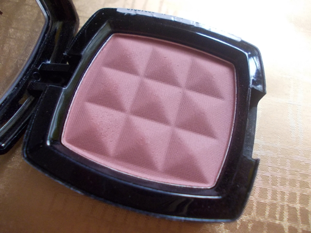 NYX-POwder-Blush-Mauve-4