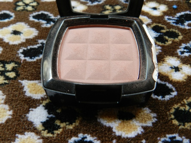 NYX-Powder-Blush-in-Espresso-4
