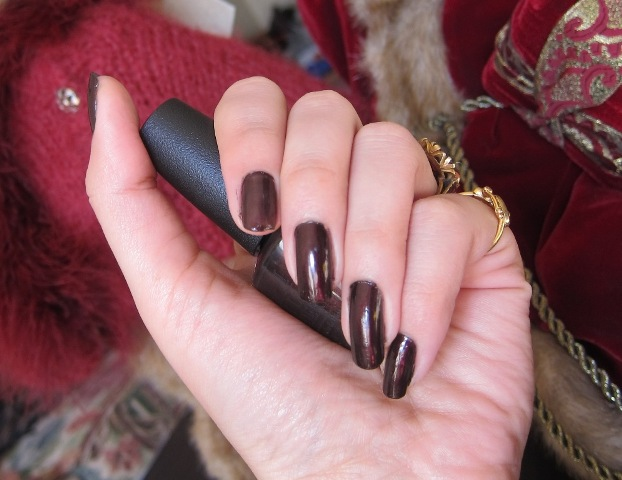 O.P.I Nail Lacquer Midnight in Moscow6