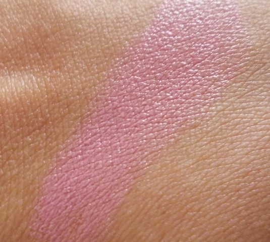 lakme_lip_love_lipstick_winter_romance_swatch