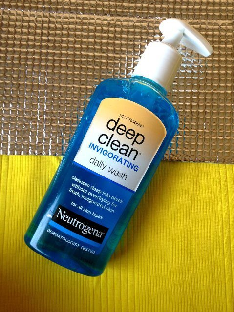 neutrogena_deep_clean_invigorating_daily_wash_review