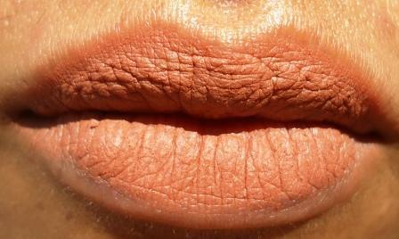 colorbar_definer_lip_liner_creamy_nude_8