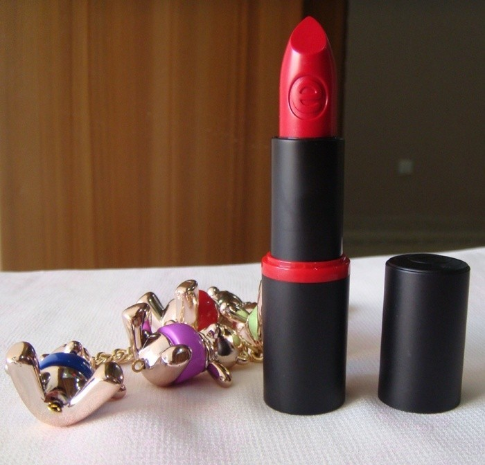 essence_long_lasting_lipstick_dare_to_wear_review