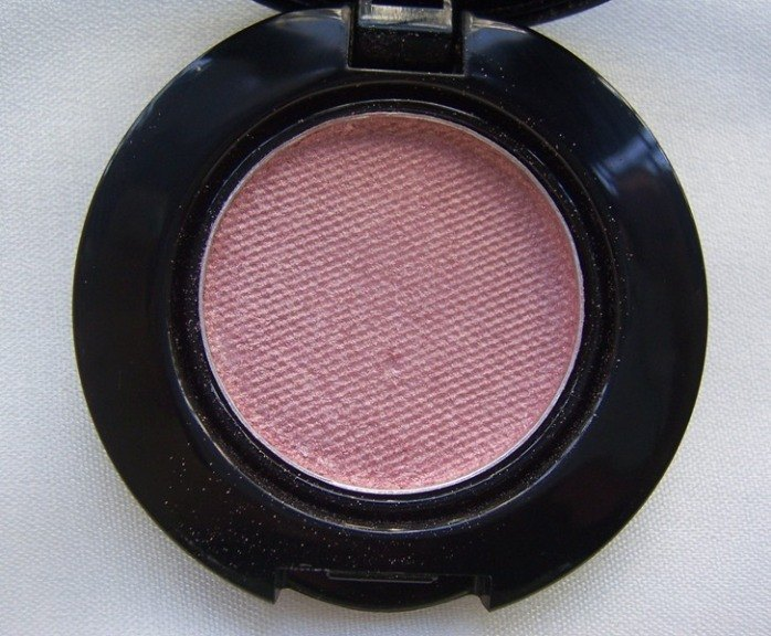faces_glam_on_eyeshadow_pink_sequin_4