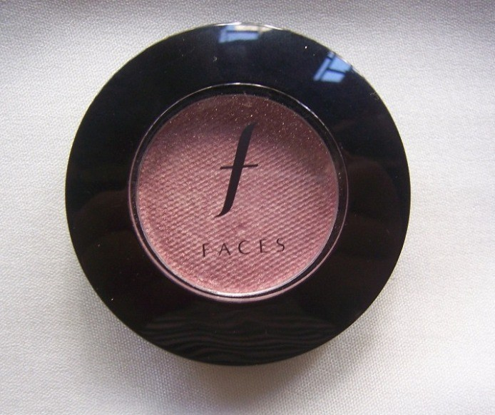faces_glam_on_eyeshadow_pink_sequin_5