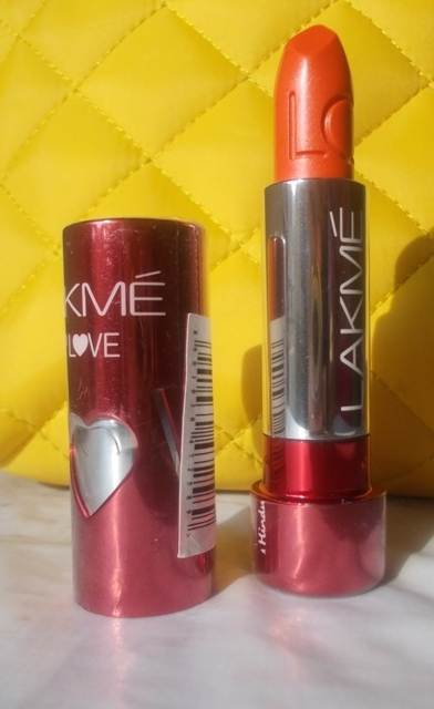 lakme-lip-love-lipstick-mandarin-crush-4