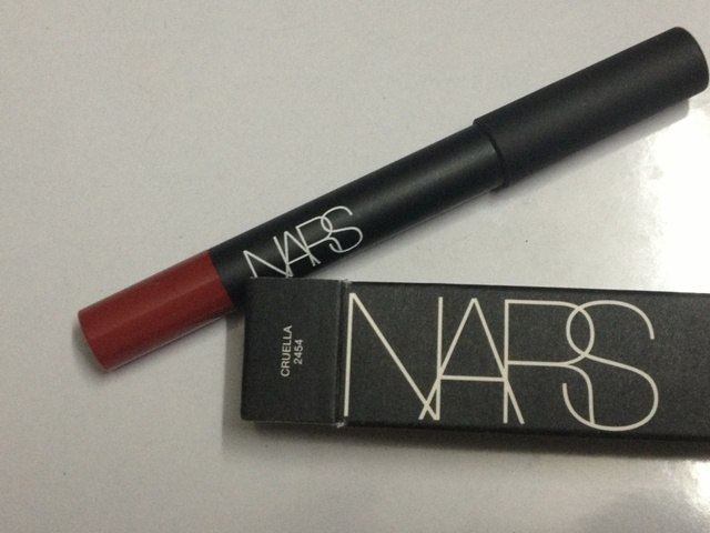 nars___velvet_matte_lip_pencil_-_cruella__2_