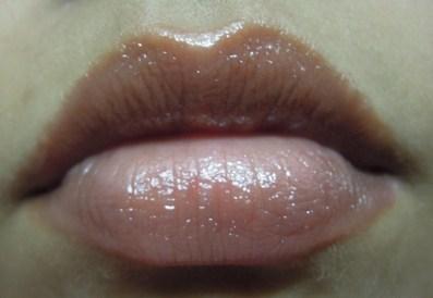 nivea_fruity_shine_strawberry_lip_balm_5