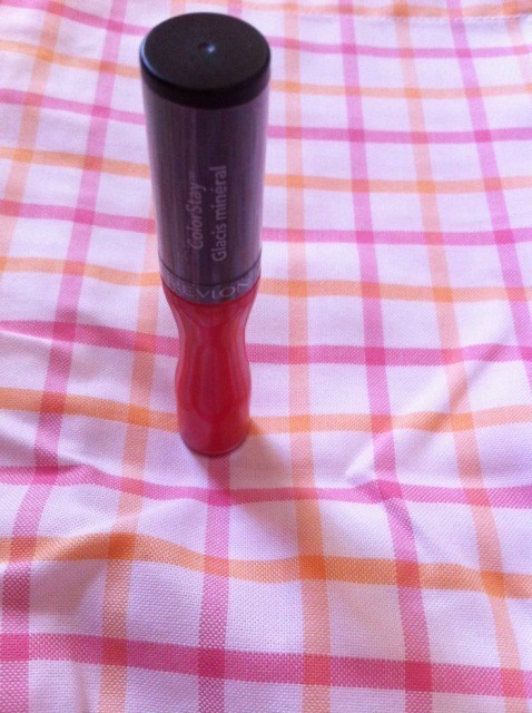revlon_colorstay_mineral_lipglaze_-_continuous_coral__2_