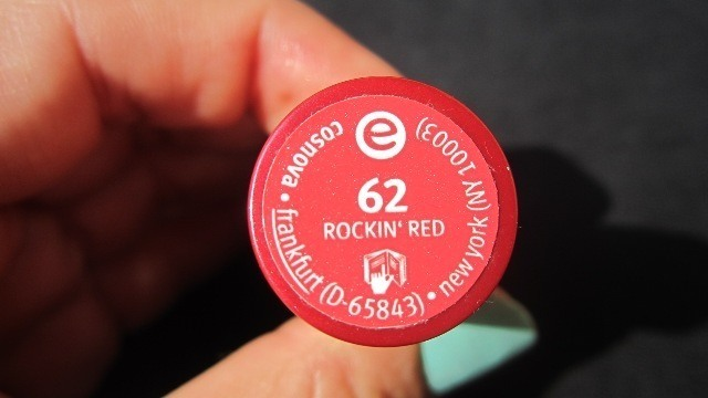 _Essence_Lipstick_in_Rockin_Red_62__2_