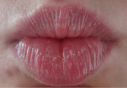 Smashbox_Lip_Enhancing_Gloss_6