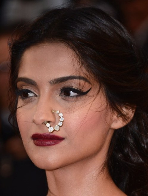 sonam_kapoor_cannes_15may2013b