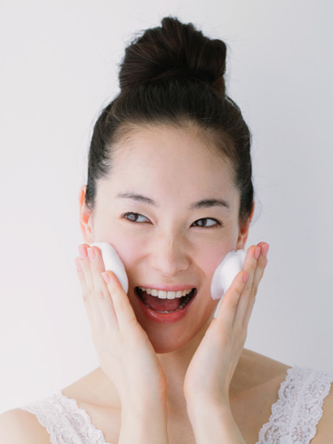Importance of Changing Your Facial Cleansers