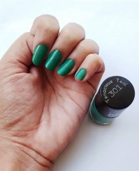 6_Maybelline_Colorshow_Nail_Paints_tenacious_teal